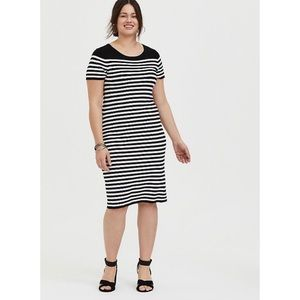 🆕 Torrid Black White Stripe Sweater Knit Dress 3X